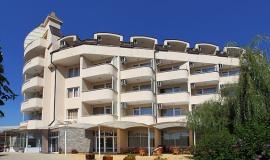 Хотел Аврора 4*